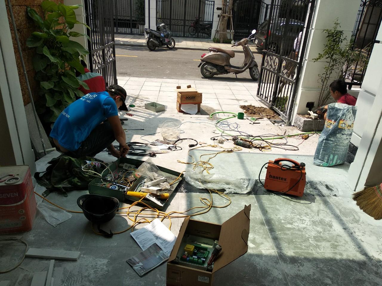 Hoàn thành lắp đặt cổng âm sàn